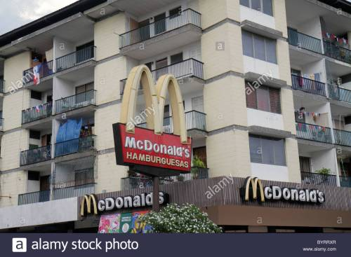 panama-panama-city-calidonia-apartment-building-mixed-use-mcdonalds-byrrxr-1